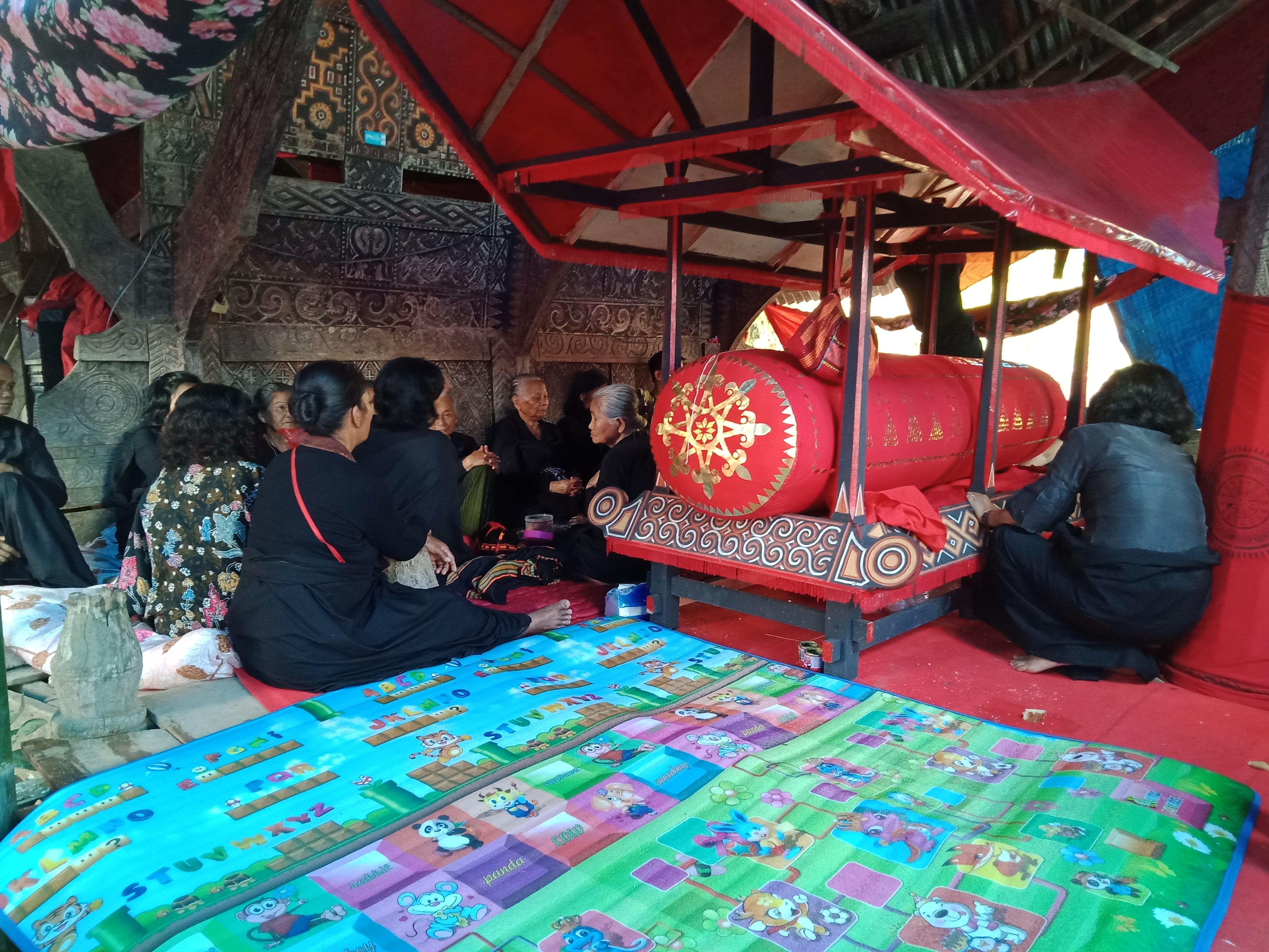 """""""Balun"""" tradisi membungkus mayat yang unik di Mamasa"""